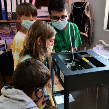 Cum se pot transforma bibliotecile în centre de inovație prin imprimantele 3D