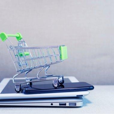 România, în top 5 european la shopping pe Facebook și Instagram