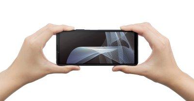 Sony Xperia 10 III este disponibil la precomandă: căști, oferite cadou