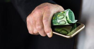 Trenduri: 90% din românii din Diaspora preferă să trimită bani prin telefon