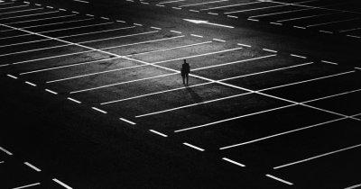 Plata parcărilor cu cardul în România, creștere cu 1000% în ultimii doi ani