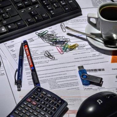 Cum a reușit o companie să elimine 200 de ore de muncă pe lună prin automatizare