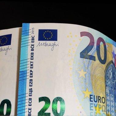 Ce cred directorii generali: optimism moderat despre viitorul economiei globale