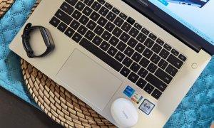 Review de gamă. HUAWEI MateBook D15 (2021), FreeBuds 4i, Band 6