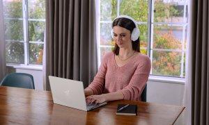 Razer lansează Razer Opus X, căști over-ear ieftine și cu noise cancelling