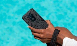 motorola defy: Primul smartphone rugged al Motorola e creat să reziste la orice