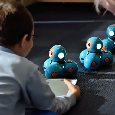 Școala de Vară MindHub: tabără de robotică și știință pentru copii