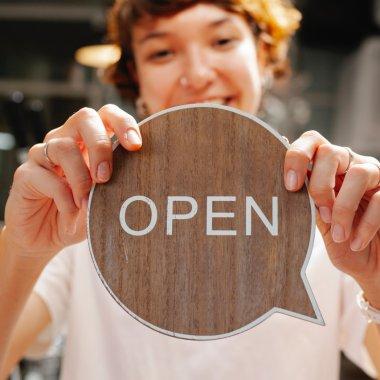 CEC Bank și Mastercard lansează LOCALNICII, produs bancar pentru afaceri locale