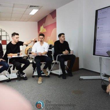 500.000 de euro în burse pentru studenții care vor să învețe antreprenoriat