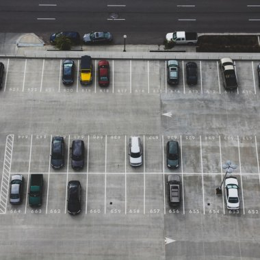yeParking lansează un dispozitiv care transformă orice parcare într-una smart