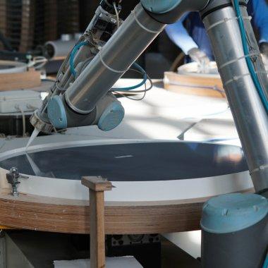 Roboți colaborativi: industrii și aplicații automatizate în România