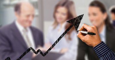 15% din managerii din România vor să primească de la companie un MBA