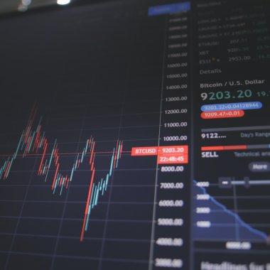 Analiză XTB: Bursa de la București versus Bursa de la Varșovia