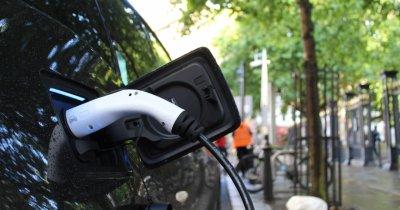Vânzări auto: românii vor mașină nouă, dar din ce în ce mai mulți vor electrice