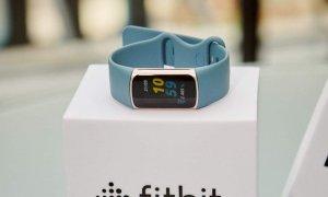 Fitbit Charge 5, lansat oficial în România: Fitness tracker pe steroizi