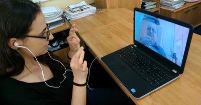 Voci pentru mâini: Aplicația BCR pentru clienții cu deficiențe de auz