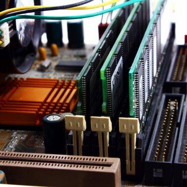 Kingston, primul producător de memorii DRAM DDR5 validate pentru platformele Intel