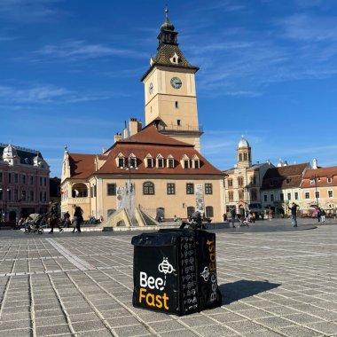 Curierat ultra-rapid și la Brașov: BeeFast se extinde
