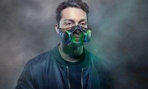 Masca futuristă de la Razer te scoate-n evidență, nu te protejează de Covid