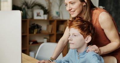 Cum se acordă zile libere pentru părinți pe durata suspendării școlii online