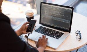 Joburi în IT: Codecool lansează cursul de Full-Stack Developer cu job garantat