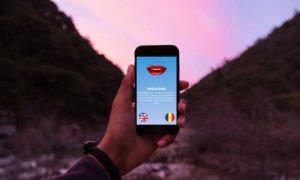 Românii din Iași care îi ajută pe americani să citească pe buze