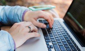 Cinci mici afaceri online pe care să le pornești anul acesta
