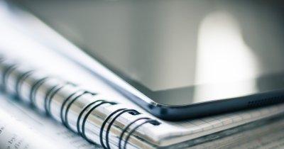 Telekom România dotează 100 de școli cu tablete și soft educațional