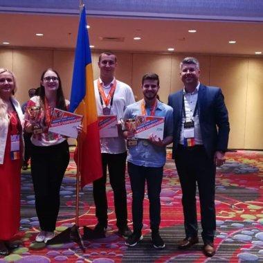 Elevii români, cei mai buni din lume la utilizarea Microsoft Office