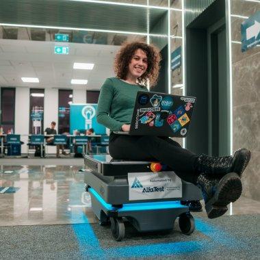Innovation Labs 2020: 45 de echipe întră la mentorat după hackathoane