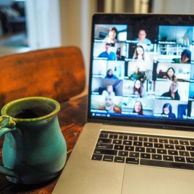Tutorial video școala online: cum organizezi o videoconferință în siguranță