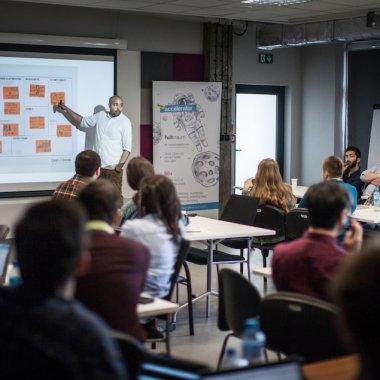 TypingDNA printre câștigătorii hub:raum Cracovia. Înlocuiește parola cu analiza modului în care scrii