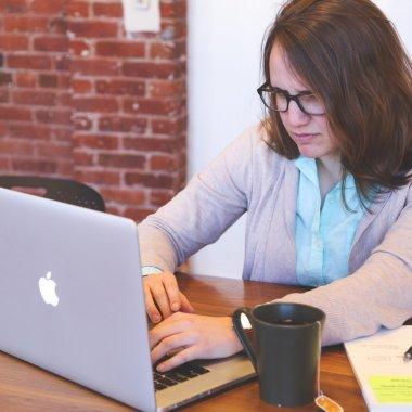 TL/DR - Startup-ul clujencei Anda Gânscă, Knotch, lansează o nouă versiune publică. Feature-uri noi pentru Asana